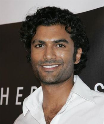 Sendhil Ramamurthy hairstyles for curly hair