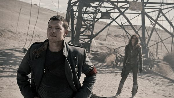 http://collider.com/uploads/imageGallery/Terminator_Salvation/terminator_salvation_movie_image_sam_worthington_and_moon_bloodgood_.jpg