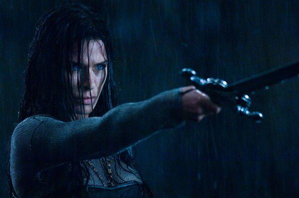 Underworld 3 : Rise of the Lycans [Enero 2009] Underworld_rise_of_the_lycans_movie_image_rhona_mitra
