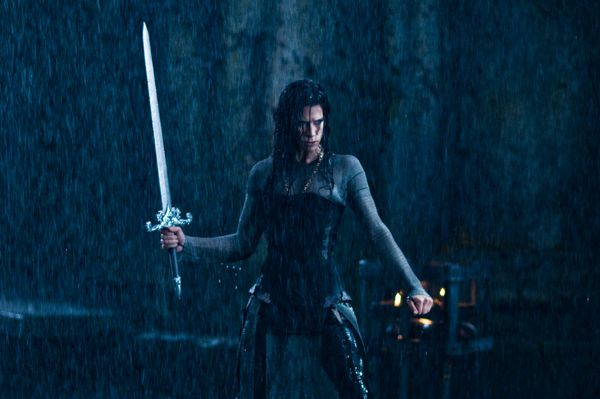 Underworld 3 : Rise of the Lycans [Enero 2009] Underworld_rise_of_the_lycans_movie_image_rhona_mitra__3_