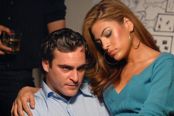 Eva Mendes Joaquin Phoenix Scene