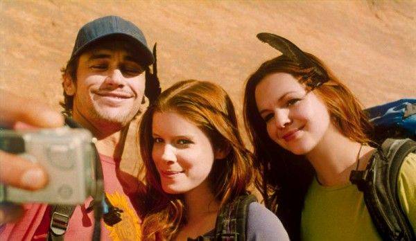 127_hours_movie_image_james_franco_kate_mara_amber_tamblyn_01