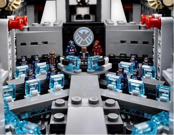 lego-helicarrier-avengers-image-11