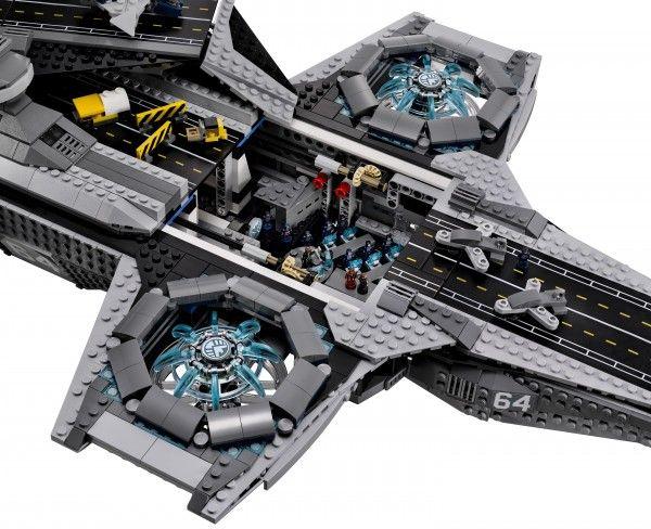lego-helicarrier-avengers-image-12