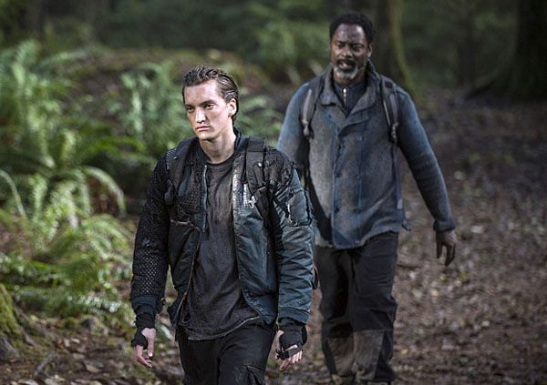 the-100-richard-harmon-isaiah-washington-image