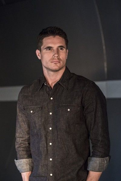 the-flash-image-robbie-amell