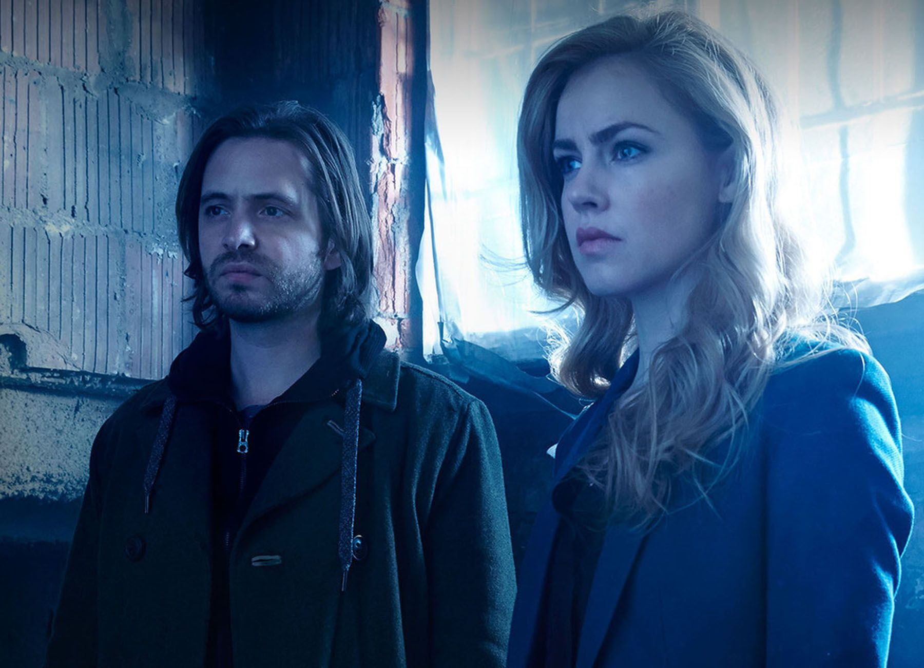 12 Monkeys Star Aaron Stanford Talks About The Syfy Series