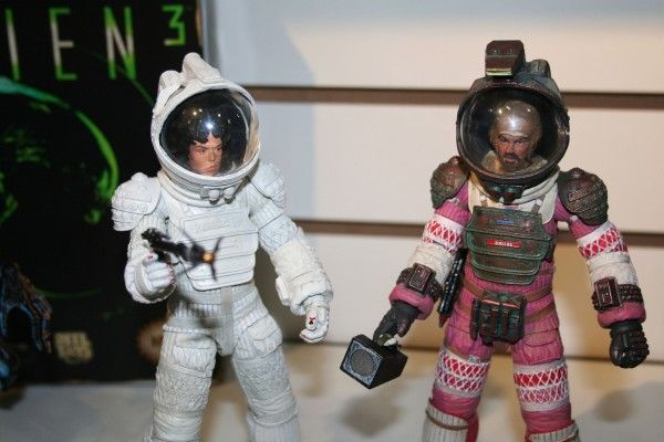 alien-action-figures-neca