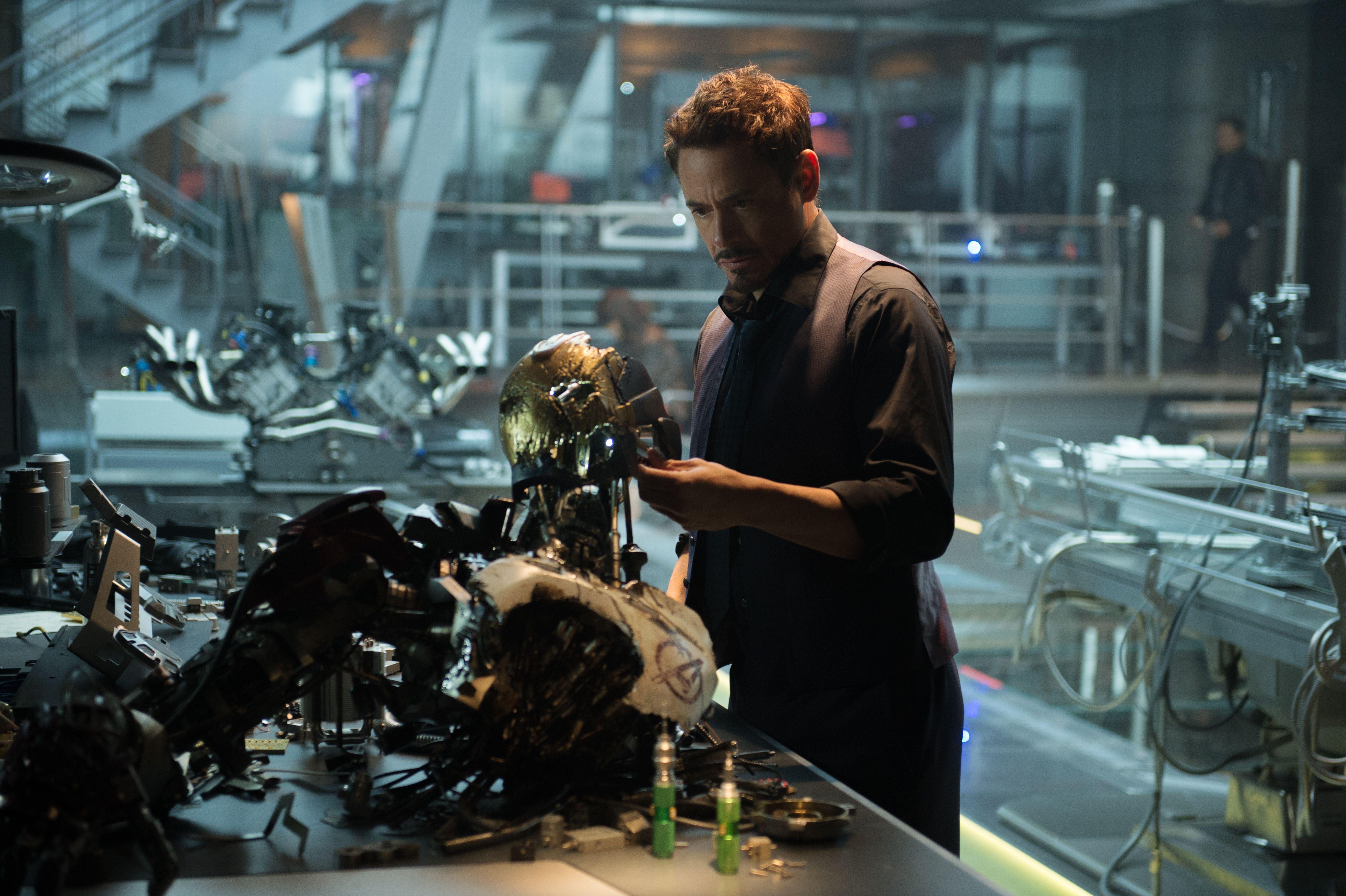 Avengers Worldwide Gross Avengers Age Of Ultron Robert Downey Jr