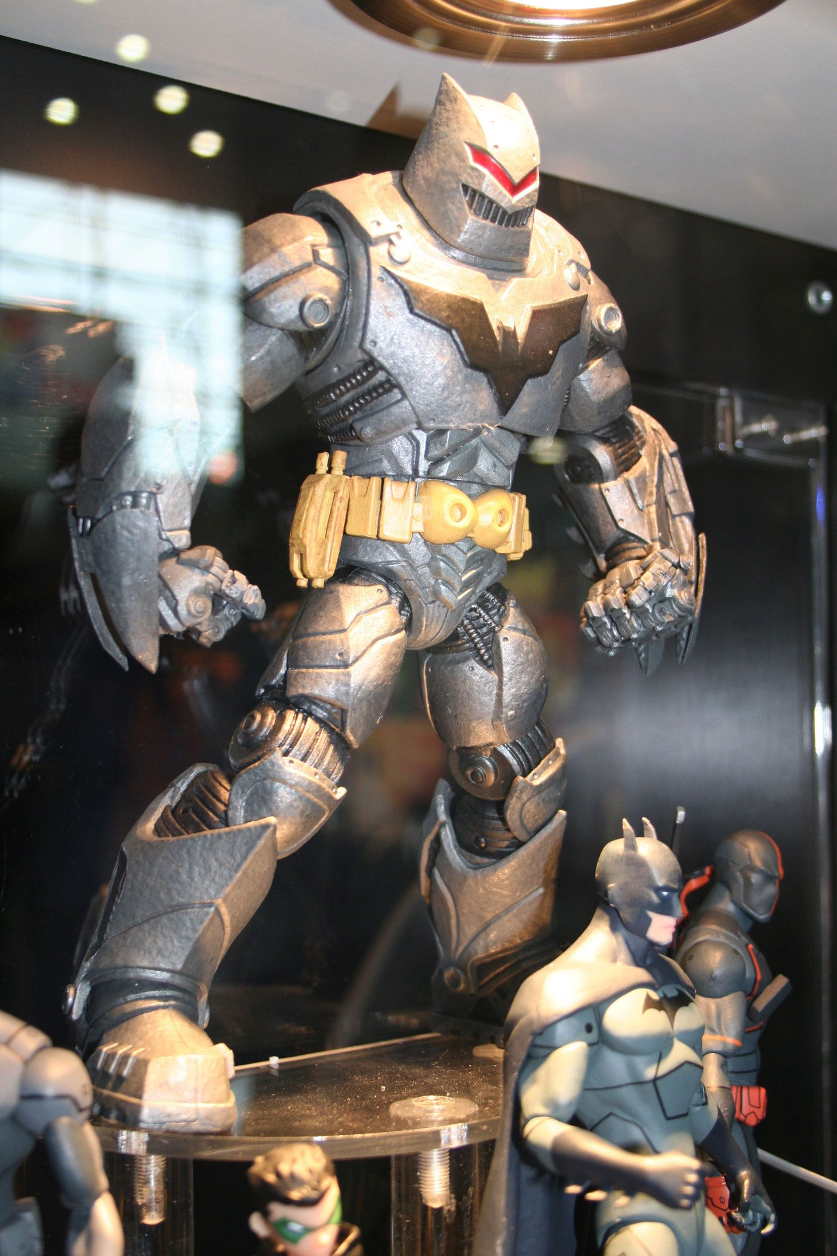 New DC Toys Revealed a...