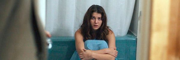 faults-review-mary-elizabeth-winstead