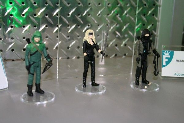 green-arrow-black-canary-reaction-funko