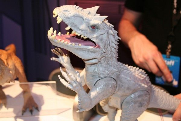 Jurassic World Toy Ima...