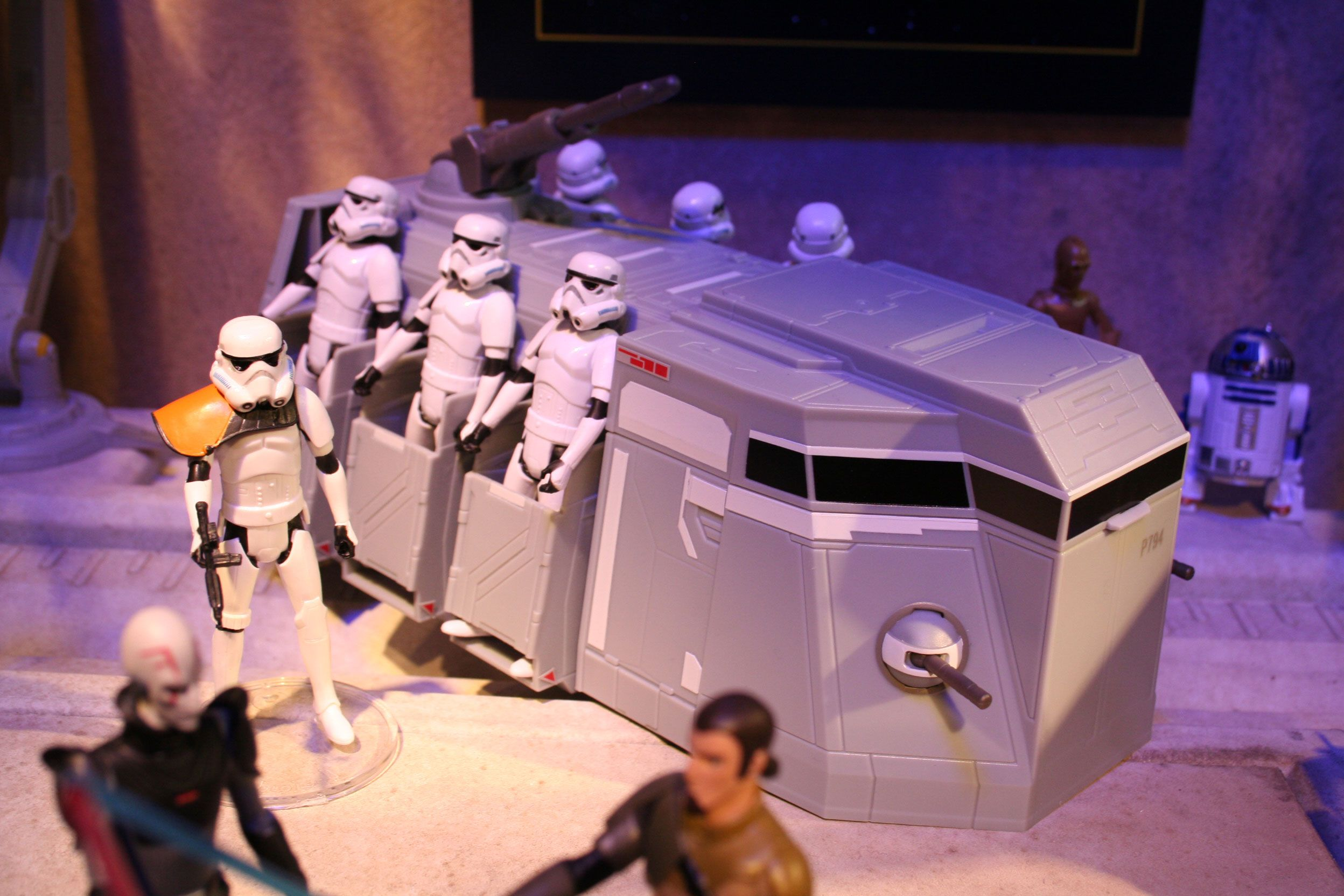 New Star Wars Toys : Star wars hasbro toys revealed images of bladebuilders