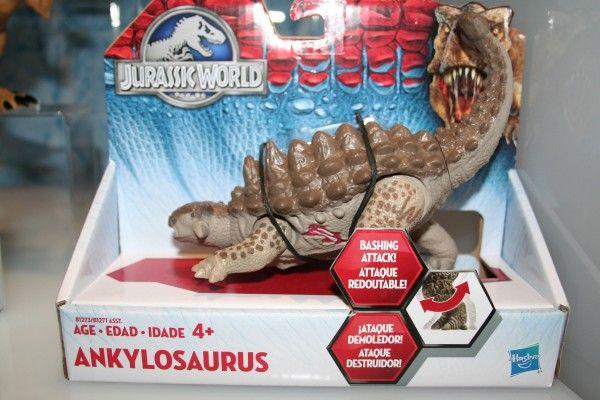 jurassic-world-ankylosaurus-figure