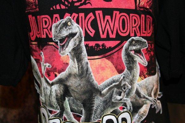 jurassic-world-apparel-raptor-shirt-close-up