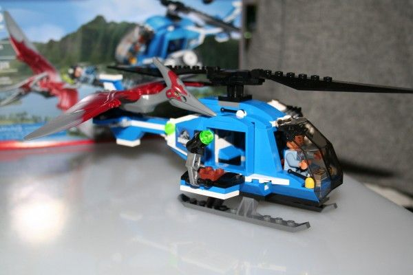 jurassic-world-lego-helicopter