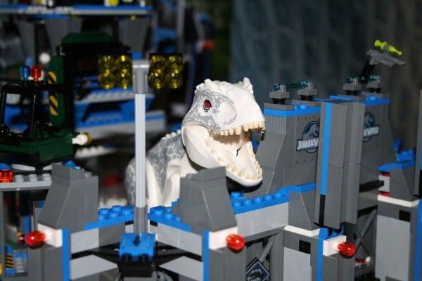 jurassic-world-lego-indominus-rex