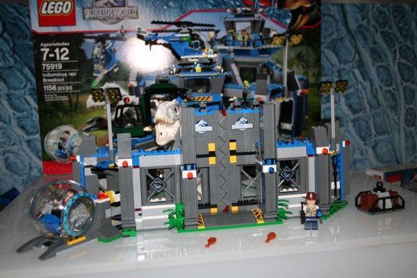jurassic-world-lego-indominus-rex-breakout-set-2