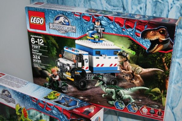 jurassic-world-lego-raptor-rampage-set