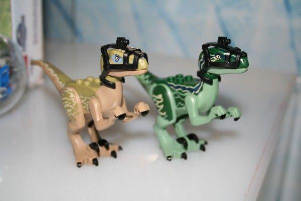 jurassic-world-lego-raptors