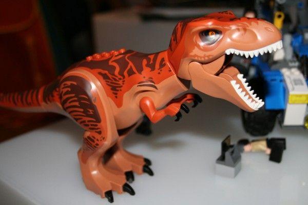 jurassic-world-lego-t-rex