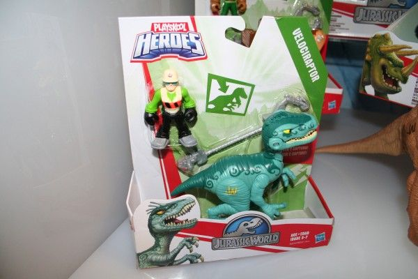 jurassic-world-playskool-heroes-raptor