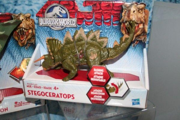 jurassic-world-stegoceratops-toy
