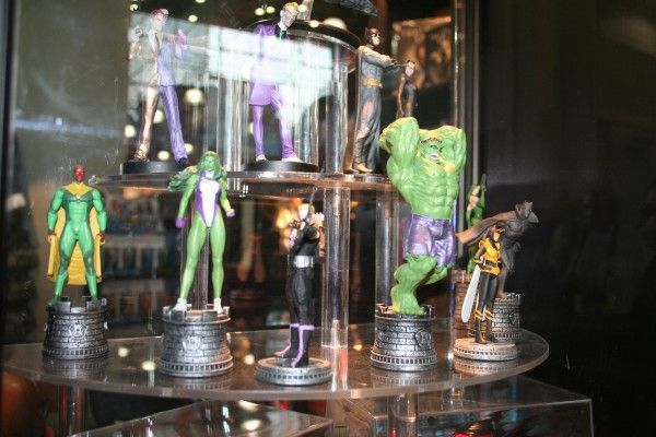marvel-chess-pieces-diamond-comics-distributors