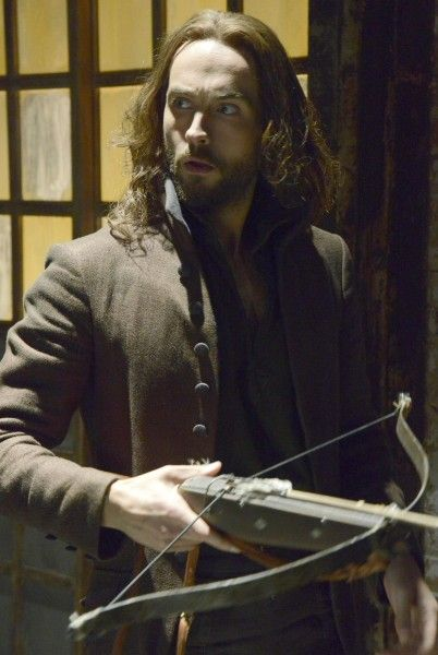 sleepy-hollow-tom-mison-archer-image