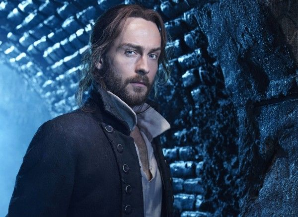 sleepy-hollow-tom-mison-closeup-image