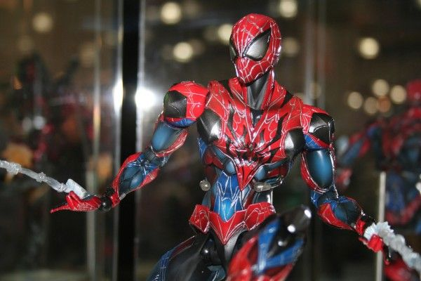 spider-man-close-up-square-enix-products