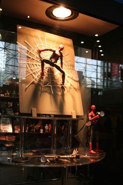 spider-man-display-diamond-comics-distributors
