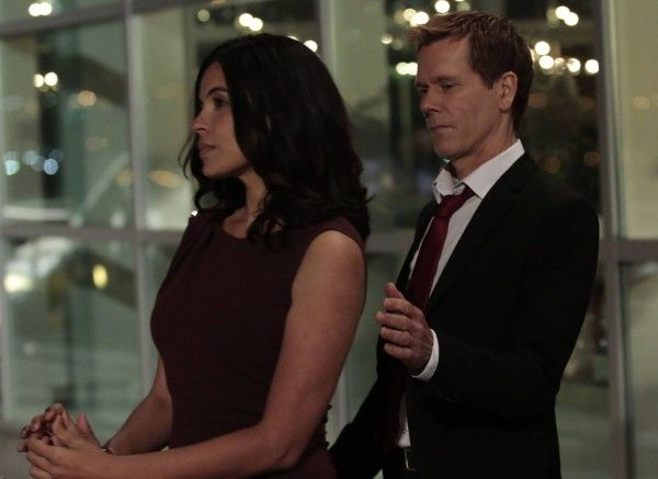 the-following-season-3-kevin-bacon-zuleikha-robinson