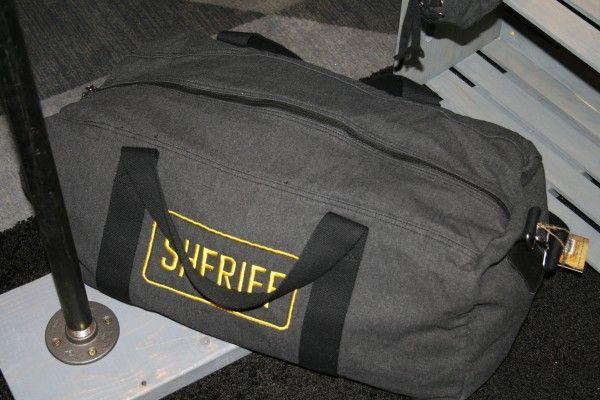 the-walking-dead-accessories-duffle-bag