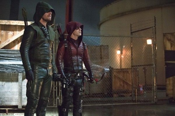 arrow-image-suicidal-tendencies-stephen-amell-colton-haynes