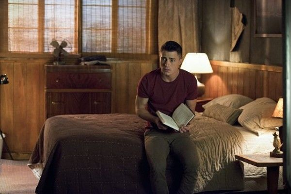 arrow-image-the-offer-colton-haynes