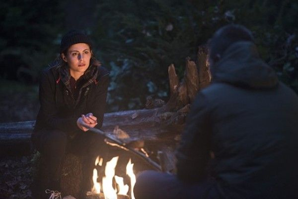arrow-image-the-offer-willa-holland