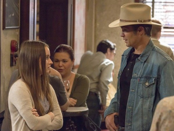 justified-recap-burned-dever-olyphant-image
