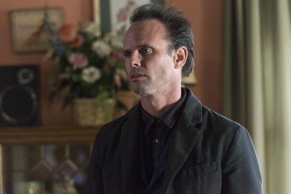 justified-dark-as-a-dungeon-walton-goggins