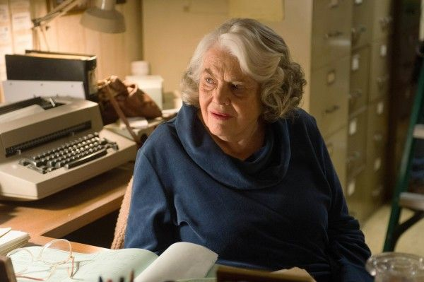 the-americans-recap-mail-robots-lois-smith