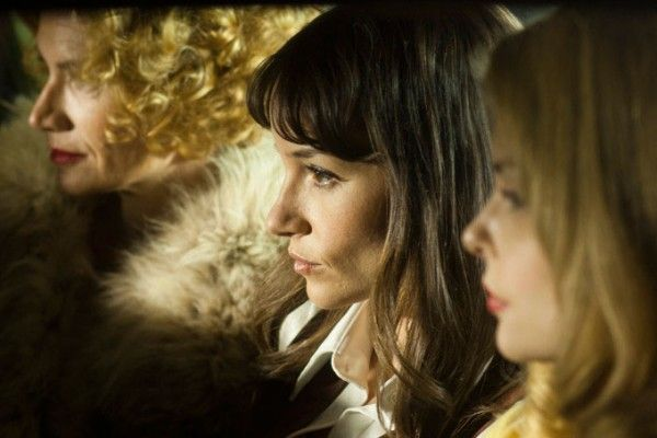 the-frontier-jocelin-donahue-izabella-miko-kelly-lynch