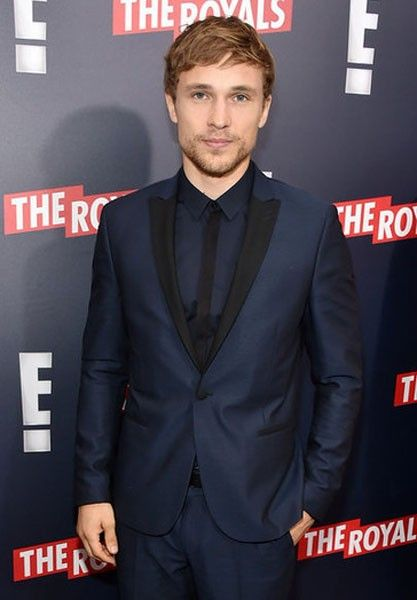 the-royals-william-moseley-2