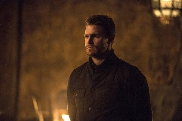 arrow-image-the-fallen-stephen-amell-weekly-tv-guide