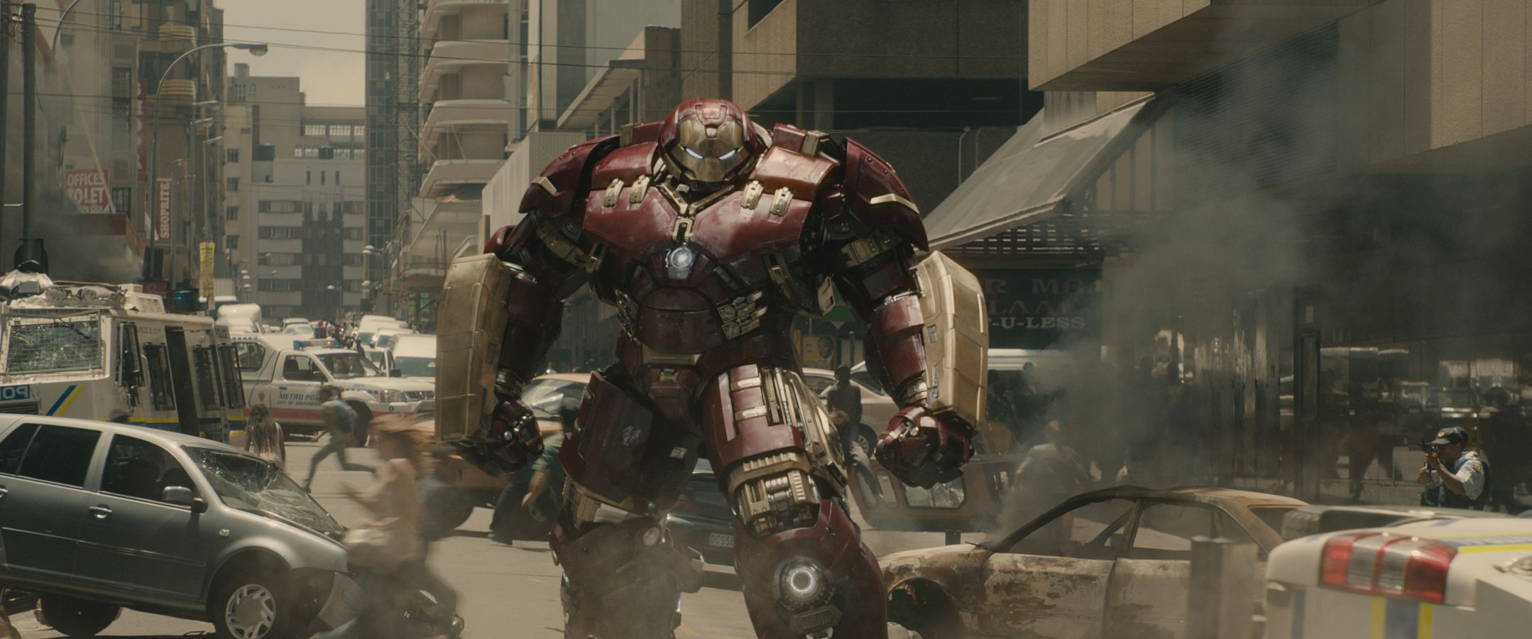 AVENGERS: AGE OF ULTRON: 75 High-Resolution Pictures Feature Vision, Hulk, and More