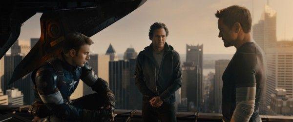 avengers-age-of-ultron-mark-ruffalo-robert-downey-jr-chris-evans