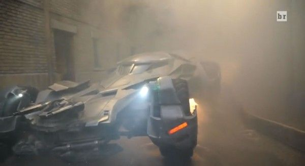 batman-v-superman-batmobile-1