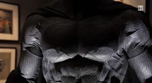 batman-v-superman-costume-1