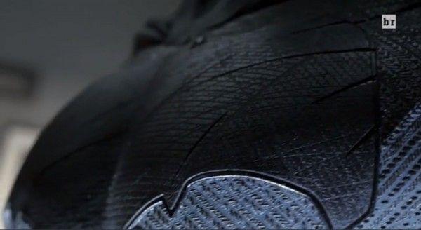 batman-v-superman-costume-chest