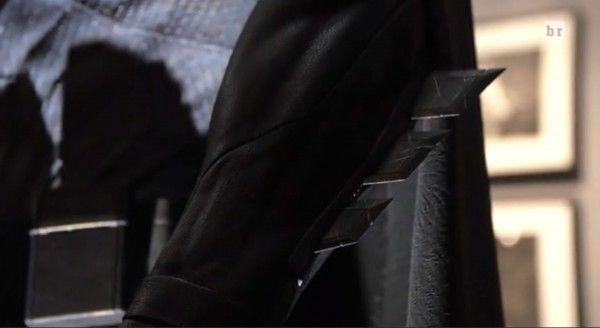 batman-v-superman-costume-greaves